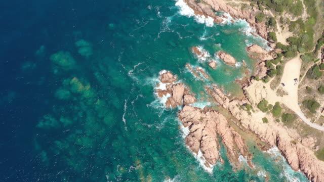 有名なコスタパラディソの美しい湾の空中写真 - 地中海点の映像素材/bロール
