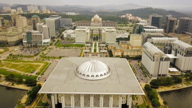 aerial view of beautiful federal government mosque - tuanku mizan zainal abidin mosque or iron mosque, putrajaya,malaysia - malaysia stock videos & royalty-free footage