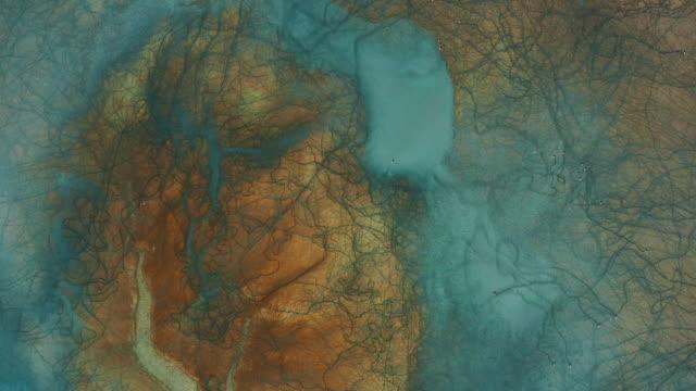 vídeos de stock e filmes b-roll de aerial view of beautiful natural shapes and textures - padrão natural