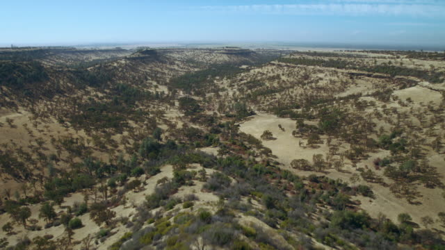 aerial view of beautiful plateaus and canyons in butte county, california. - butte rocky outcrop stock videos & royalty-free footage