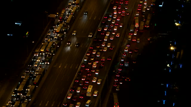 vidéos et rushes de vue aérienne de beijing embouteillage dans la nuit - traffic jam