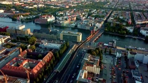 vídeos y material grabado en eventos de stock de vista aérea de berlín - alemania - berlín