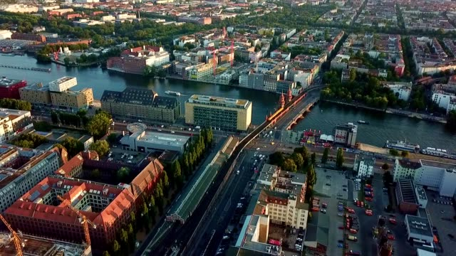 vídeos de stock e filmes b-roll de aerial view of berlin - germany - berlim