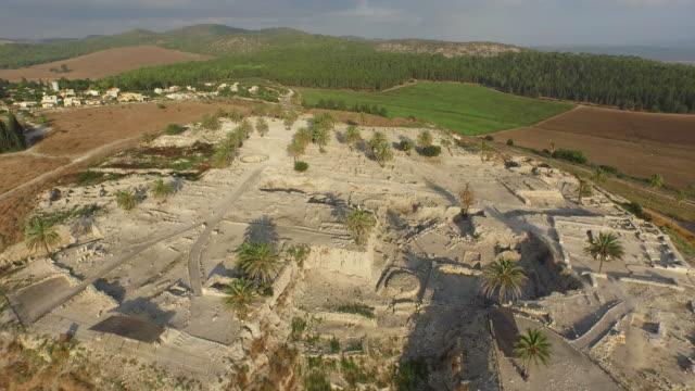 aerial view of biblical tel megiddo, unesco world heritage site, israel. - nuovo testamento video stock e b–roll