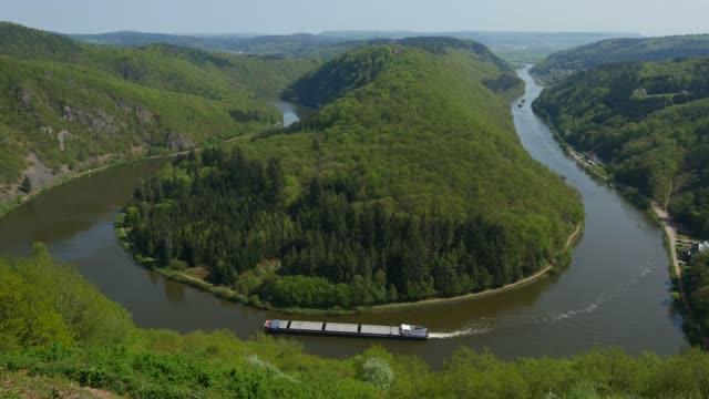 aerial view of big loop of saar river near mettlach, saaar valley, saarland, germany - tied bow stock videos & royalty-free footage