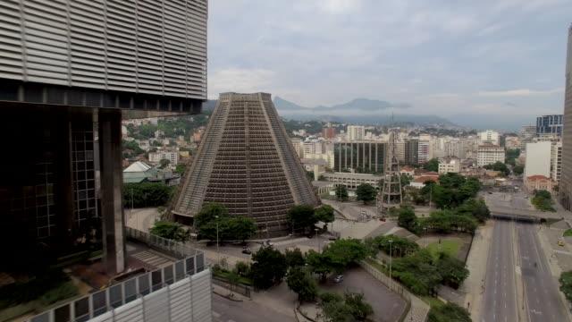vídeos de stock, filmes e b-roll de aerial view of buildings downtown rio de janeiro - distrito financeiro