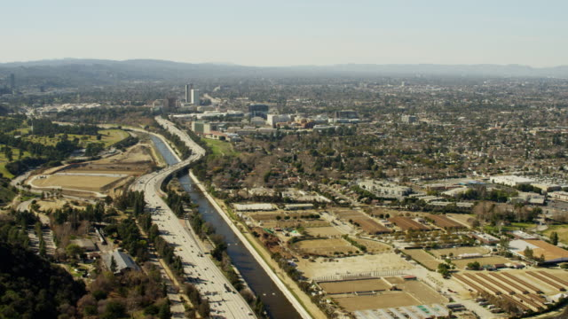 aerial view of busy freeway system los angeles - burbank stock-videos und b-roll-filmmaterial