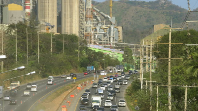 luftaufnahme des auto-unfall-szene: time lapse - retter rettungsaktion stock-videos und b-roll-filmmaterial
