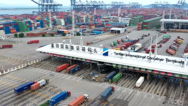 aerial view of cargo containers at the yantian international container terminals on august 26, 2020 in shenzhen, guangdong province of china. - container stock videos & royalty-free footage