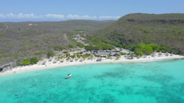 stockvideo's en b-roll-footage met luchtfoto van cas abao beach en kust functie in curacao - coastal feature