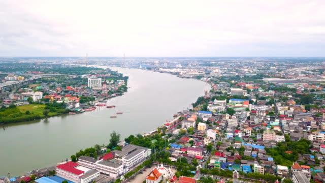 タイのバンコクのチャオプラヤ川の眺め - チャオプラヤ川点の映像素材/bロール