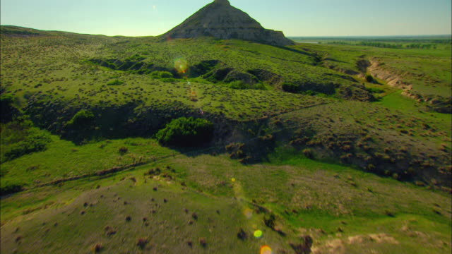 aerial view of chimney rock - nebraska stock-videos und b-roll-filmmaterial