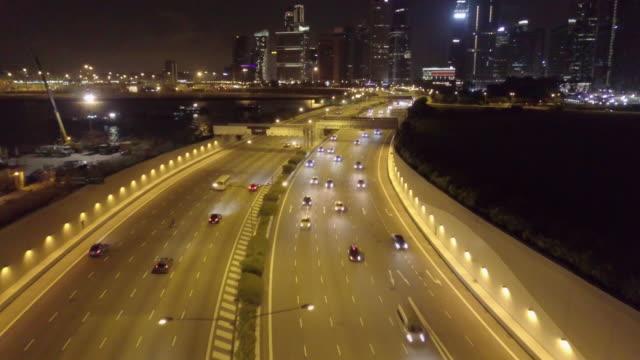 vídeos de stock e filmes b-roll de aerial view of city financial district buildings,top view singapore city - singapura