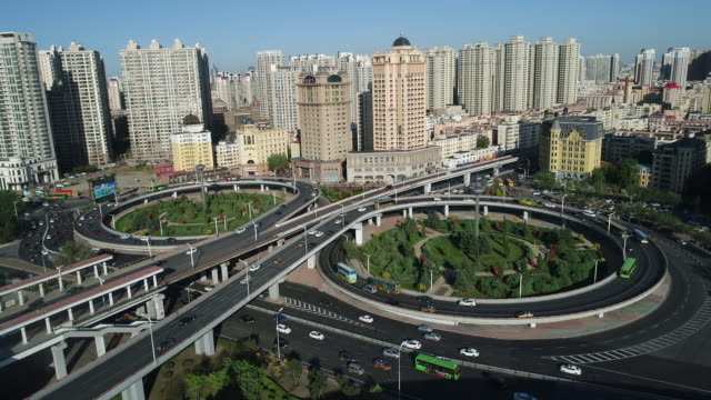 vidéos et rushes de aerial view of cityscape and songhua river bridge on may 19 2017 in harbin china - échangeur