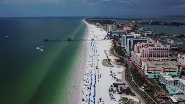 aerial view of clearwater beachfront in florida - フロリダ州点の映像素材/bロール