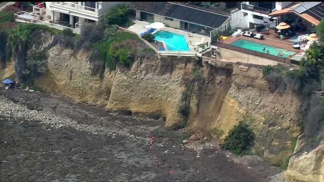 kswb aerial view of cliff collapse in la jolla on september 11 2015 a section of sea bluff collapsed near tourmaline surfing park causing no reported... - klippe stock-videos und b-roll-filmmaterial