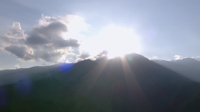 vidéos et rushes de aerial view of colombian eastern andes mountains range during sunrise, colombia - inclinaison vers le haut