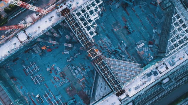 aerial view of construction site - baugewerbe stock-videos und b-roll-filmmaterial