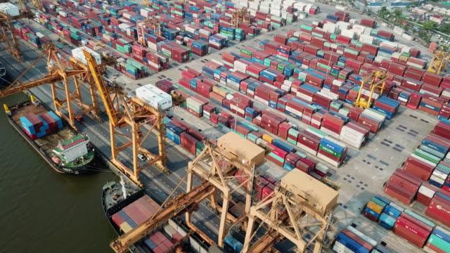 Luftbild von Containerschiffen Hafen und Cargo-container