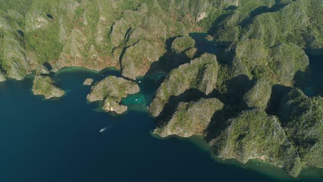 vidéos et rushes de aerial view of coron, philippines - drone 4k - colline