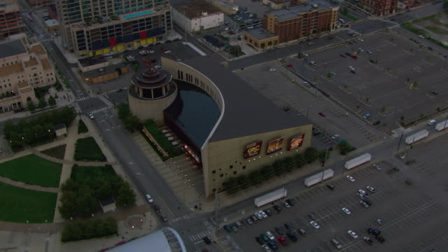 aerial view of country music hall of fame and museum in city, nashville, tennessee, united states of america. - 1 minute or greater stock videos & royalty-free footage