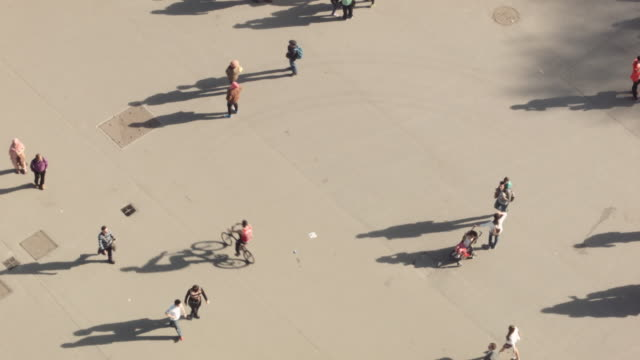 Aerial view of crowds (from Eiffel Tower) 1