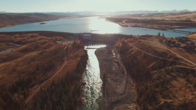 aerial view of dam - dam stock videos & royalty-free footage