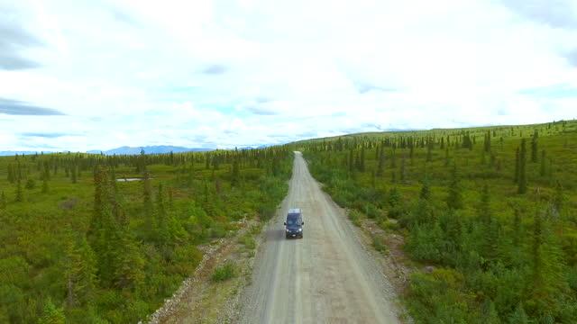 aerial view of denali highway, alaska, usa. - denali national park stock videos & royalty-free footage