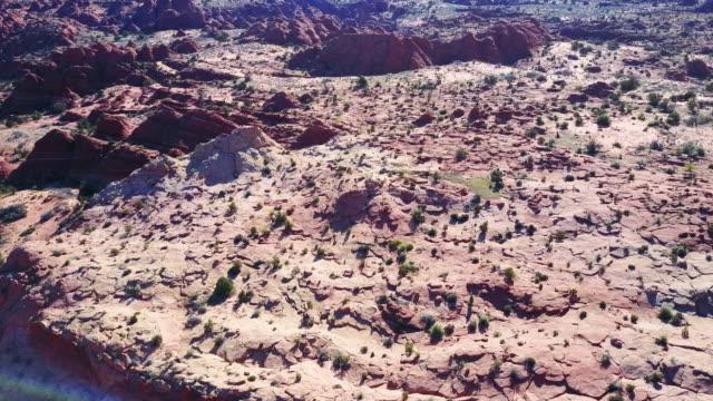 luftaufnahme der wüste sand stein und felsen - zion narrows canyon stock-videos und b-roll-filmmaterial