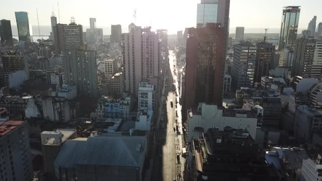 aerial view of downtown buenos aires during the first day of quarantine on march 20 in buenos aires, argentina. president alberto fernandez declared... - buenos aires stock videos & royalty-free footage