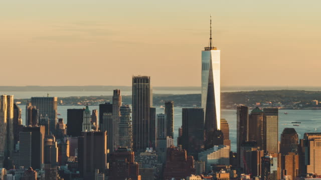 t/l ms td aerial view of downtown manhattan at sunset, nyc - one world trade center stock videos & royalty-free footage