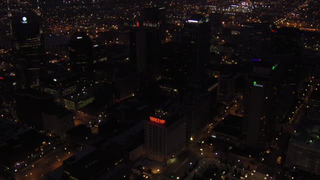 aerial view of downtown nashville at night, tennessee, united states of america. - aircraft point of view stock videos & royalty-free footage