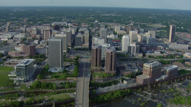 aerial view of downtown richmond, virginia, united states of america. - バージニア州 リッチモンド点の映像素材/bロール