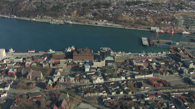aerial view of downtown st. john's and harbour, avalon peninsula, newfoundland, canada - zion narrows canyon stock-videos und b-roll-filmmaterial