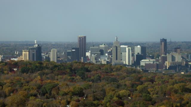 aerial view of downtown st paul minnesota - saint paul stock-videos und b-roll-filmmaterial