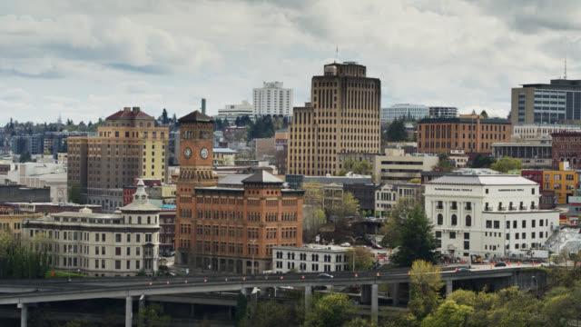 vidéos et rushes de aerial view of downtown tacoma - océan pacifique nord