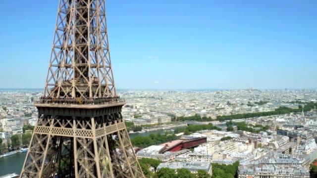 Luftaufnahme der Eiffelturm in Paris, Frankreich