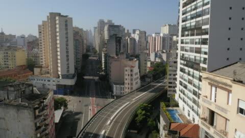 aerial view of elevado costa e silva, called minhocao, sao paulo, brazil - latin america stock videos & royalty-free footage