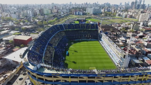 aerial view of estadio alberto j. armando prior to a match between boca juniors and river plate as part of superliga 2018/19 at estadio alberto j.... - ラボカ点の映像素材/bロール