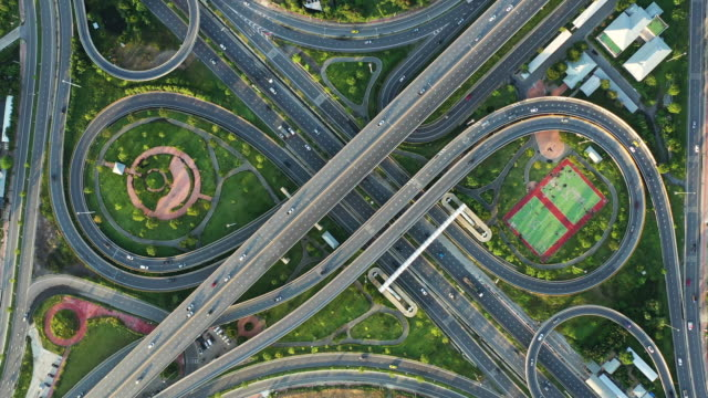 vidéos et rushes de aerial view of expressway - number 8