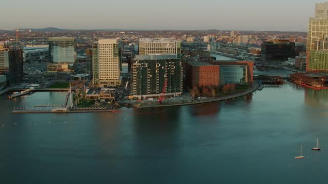 vidéos et rushes de aerial view of fan pier in boston ma - hémisphère nord