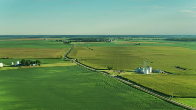 stockvideo's en b-roll-footage met aerial view of flat ohio rural landscape - sunny