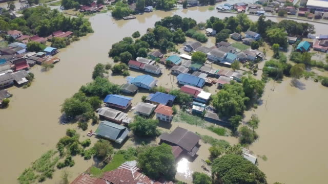 aerial view of flood in ayutthaya province,thailand - inondazione video stock e b–roll