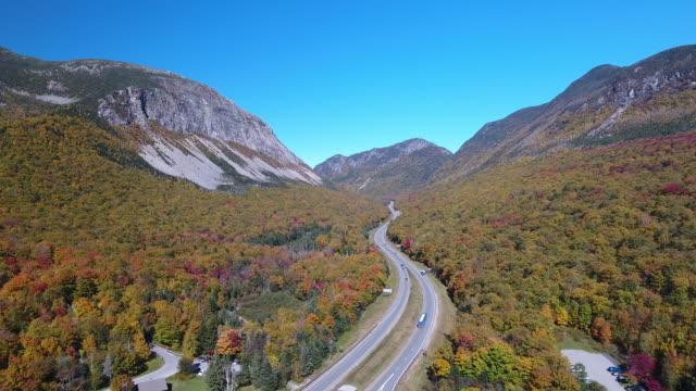 aerial view of franconia state forest and  interstate 93. new hampshire. usa - new hampshire stock-videos und b-roll-filmmaterial