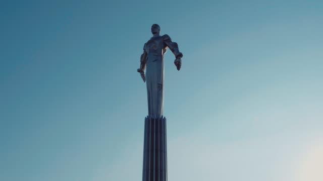 Aerial view of Gagarin Monument and Leninskiy prospekt