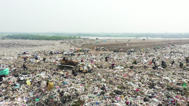 ゴミの空中写真 - プラスチック汚染点の映像素材/bロール