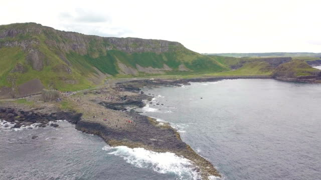 aerial view of giant's causeway/ northern ireland - nordirland stock-videos und b-roll-filmmaterial