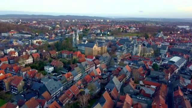 luftaufnahme von goslar - deutschland - dorf stock-videos und b-roll-filmmaterial