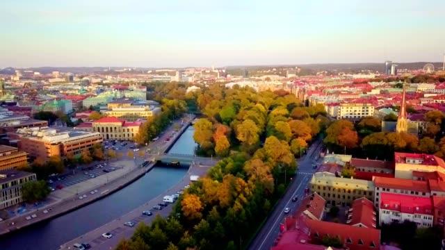 stockvideo's en b-roll-footage met luchtfoto van göteborg-zweden - europese cultuur