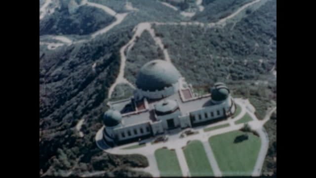 1947 aerial view of griffith observatory and planetarium - griffith observatory stock videos & royalty-free footage